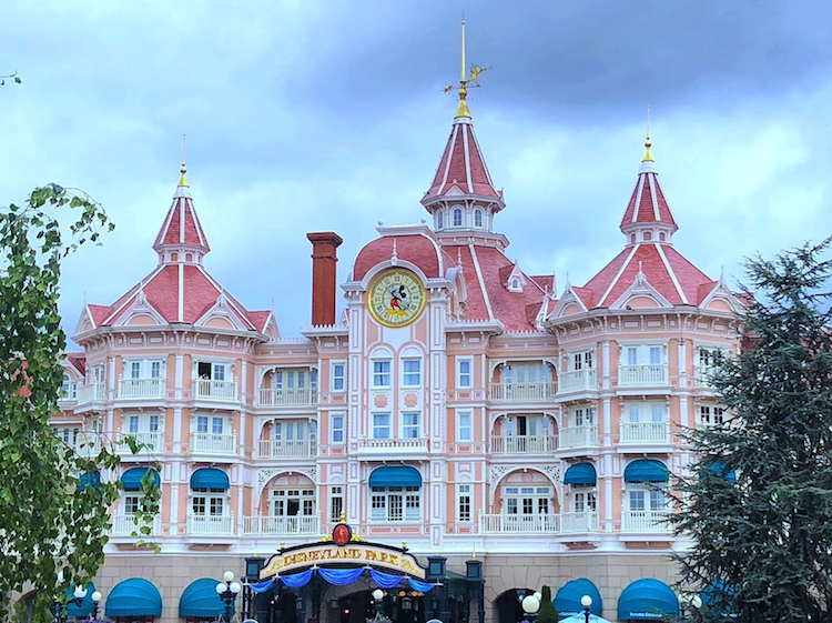How To Plan For The Best Disneyland Paris Trip Ever, Disneyland Hotel photo