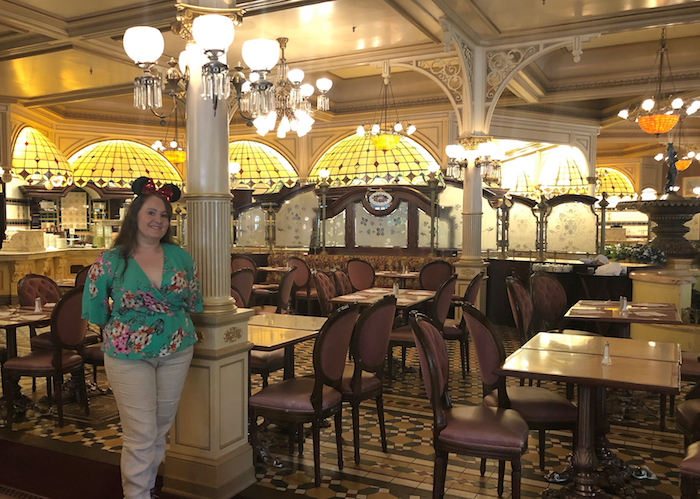 August 2018 Income & Profit Report update, photo of Corinna at Disneyland Paris