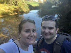October 2018 Income & Profit Report, Corinnas boyfriend and Corinna at Batsford Arboretum